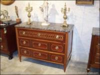 Commode d'époque Louis XVI .