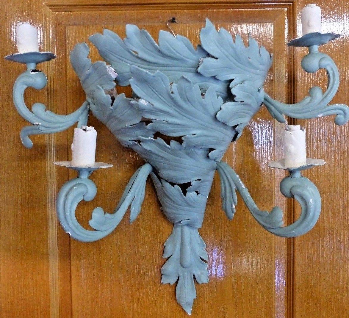 recherche : applique mural forme cornet en fer forge feuillage
