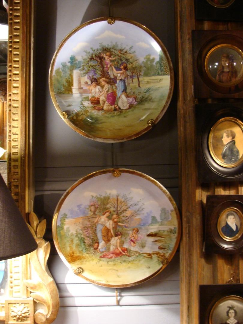 paire d assiettes decoratives en porcelaine | Antiquites en France