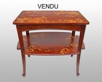 ecole de nancy meuble vitrine en marqueterie epoque art nouveau vers 1900 antiquites en france. Black Bedroom Furniture Sets. Home Design Ideas