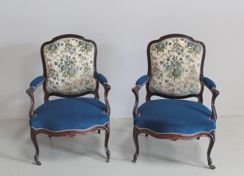 Paire De Fauteuilsa La Reine Louis XV Epoque NAPIII