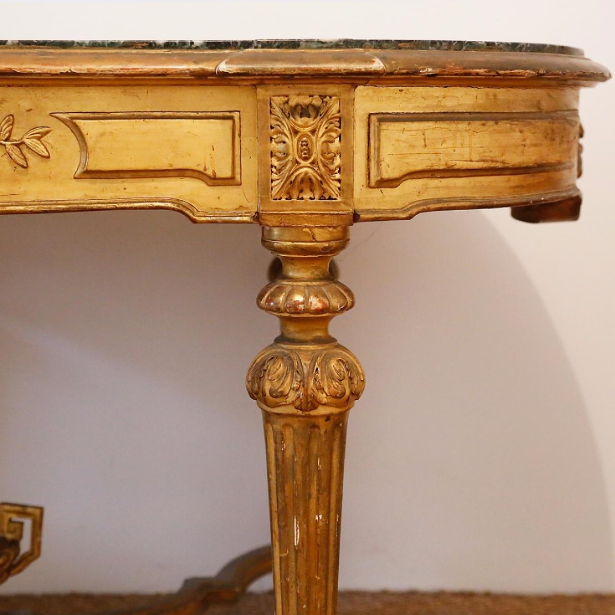 Table 1880 en bois doré  Lile aux brocantes