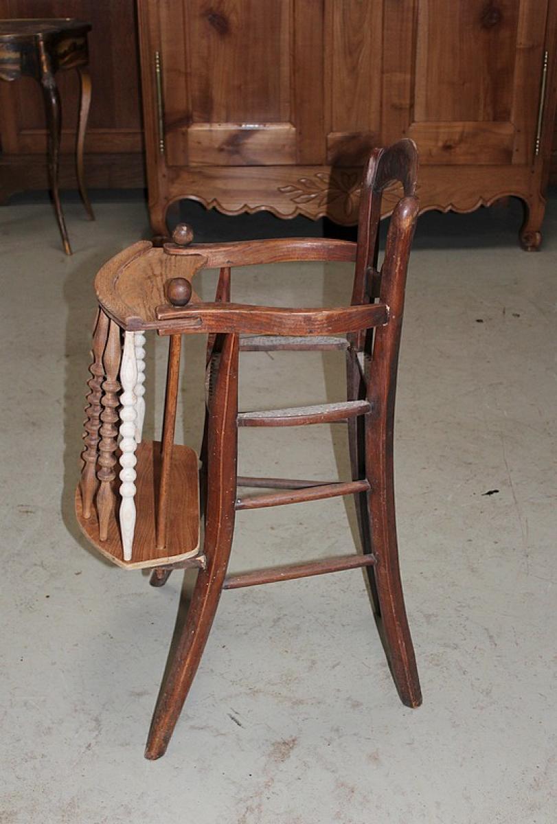 chaise haute d 39 enfant en fr ne 1900 antiquites lecomte. Black Bedroom Furniture Sets. Home Design Ideas