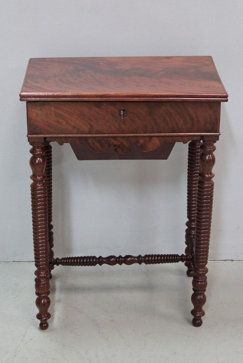 tables louis philippe antiquites en france. Black Bedroom Furniture Sets. Home Design Ideas