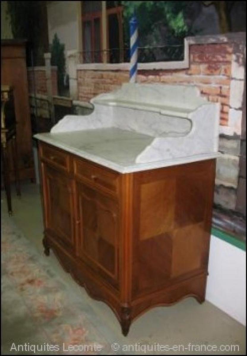 Meuble de toilette en noyer xxeme antiquites lecomte for Meuble dessus de toilette
