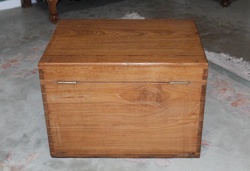 coffre de marine en teck xixe antiquites lecomte. Black Bedroom Furniture Sets. Home Design Ideas