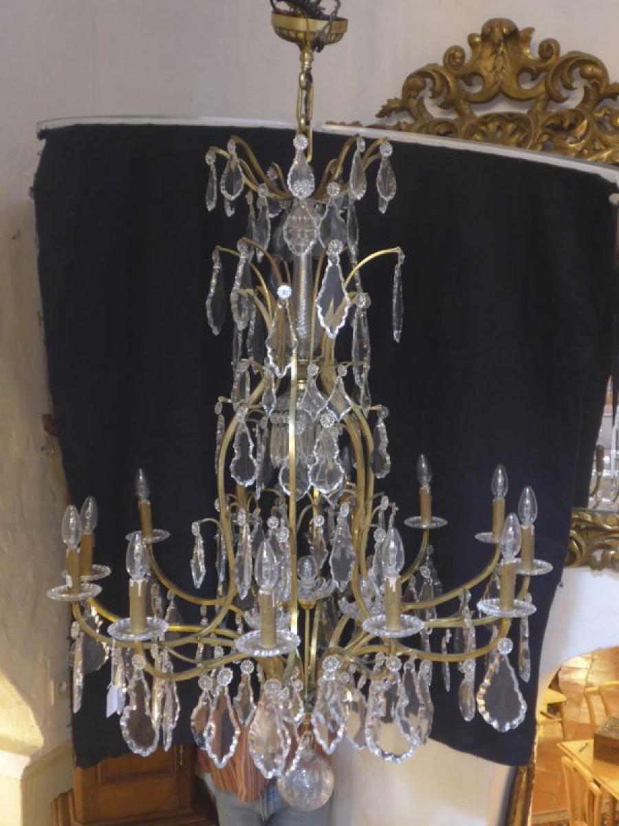 tr s grand lustre baccarat la boutique opio proche de nice. Black Bedroom Furniture Sets. Home Design Ideas
