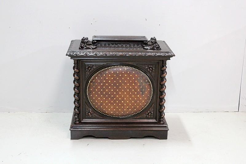 coffre linge de palier louis xiii xix me antiquites. Black Bedroom Furniture Sets. Home Design Ideas