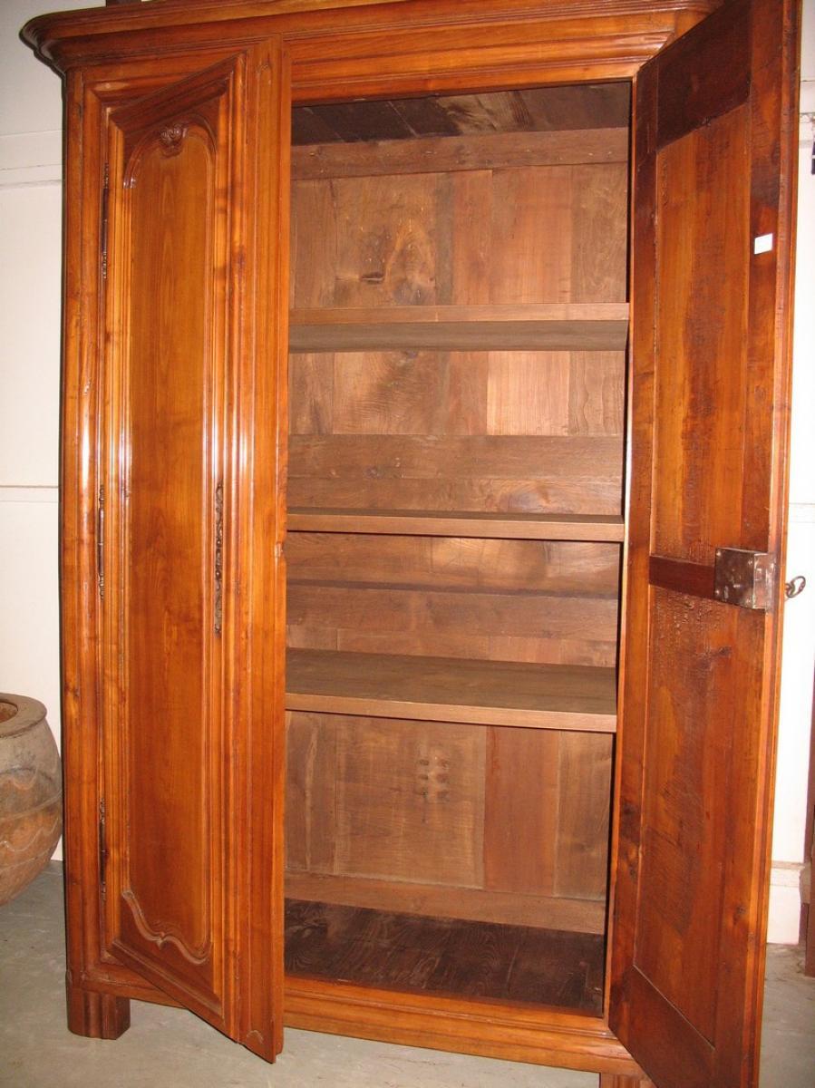 armoire louis xiv en merisier xviiie antiquites lecomte. Black Bedroom Furniture Sets. Home Design Ideas