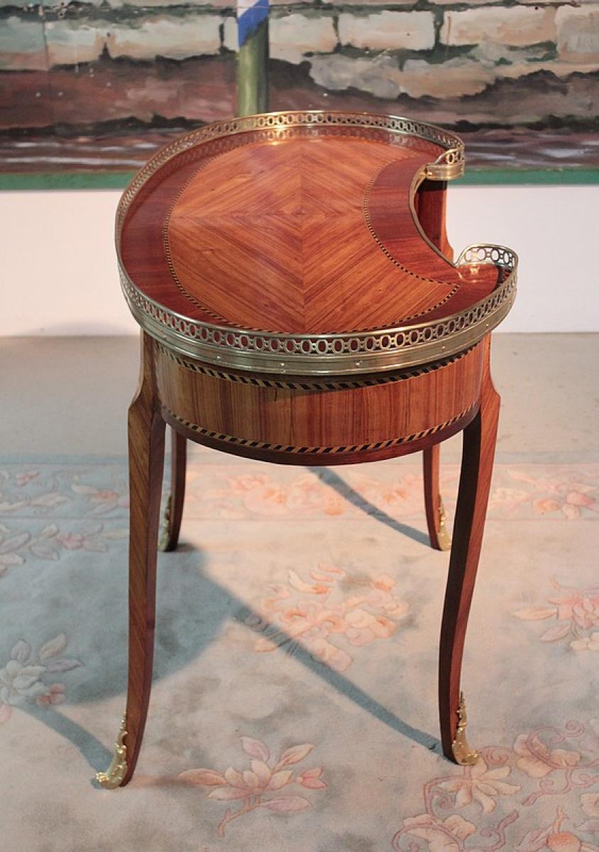 table rognon en bois de rose xixeme antiquites lecomte. Black Bedroom Furniture Sets. Home Design Ideas