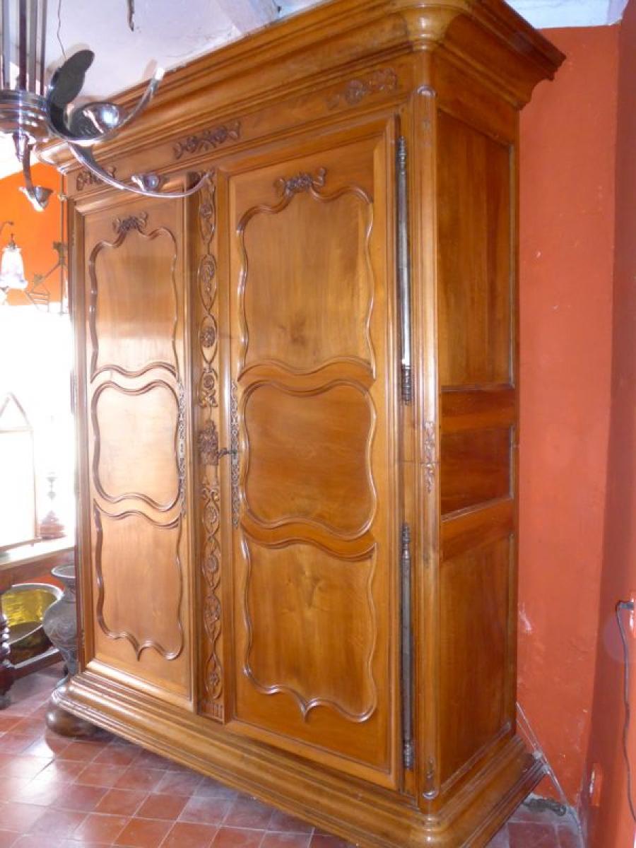 armoires anciennes antiquites en france page 4. Black Bedroom Furniture Sets. Home Design Ideas