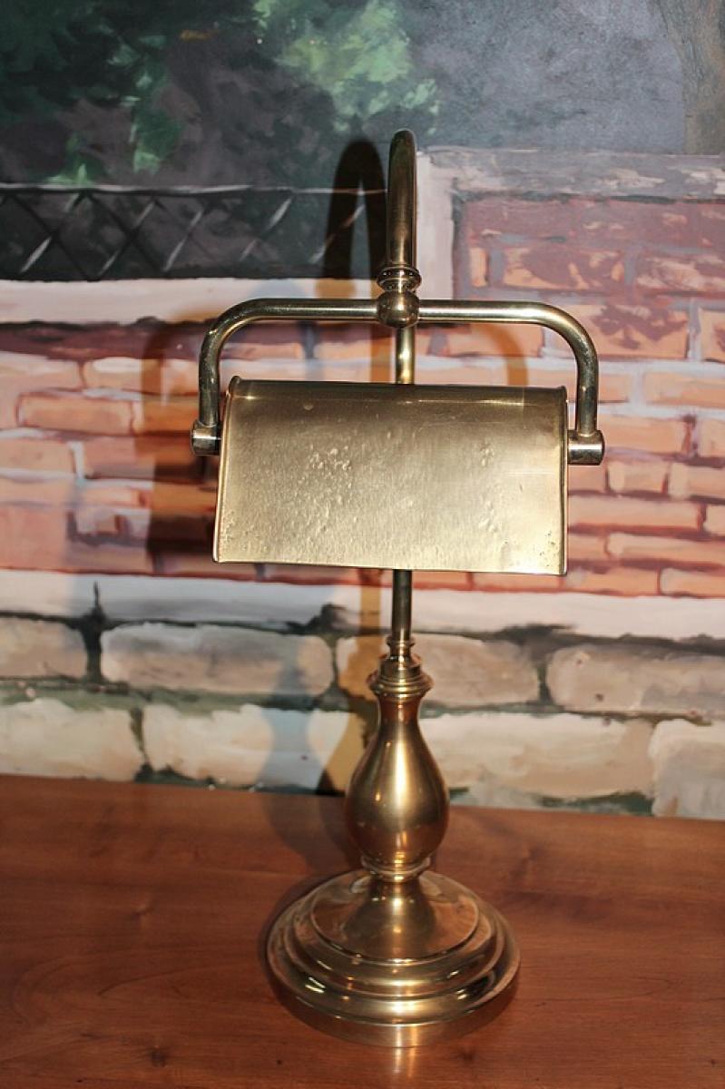 lampe de bureau en laiton xxeme antiquites lecomte. Black Bedroom Furniture Sets. Home Design Ideas