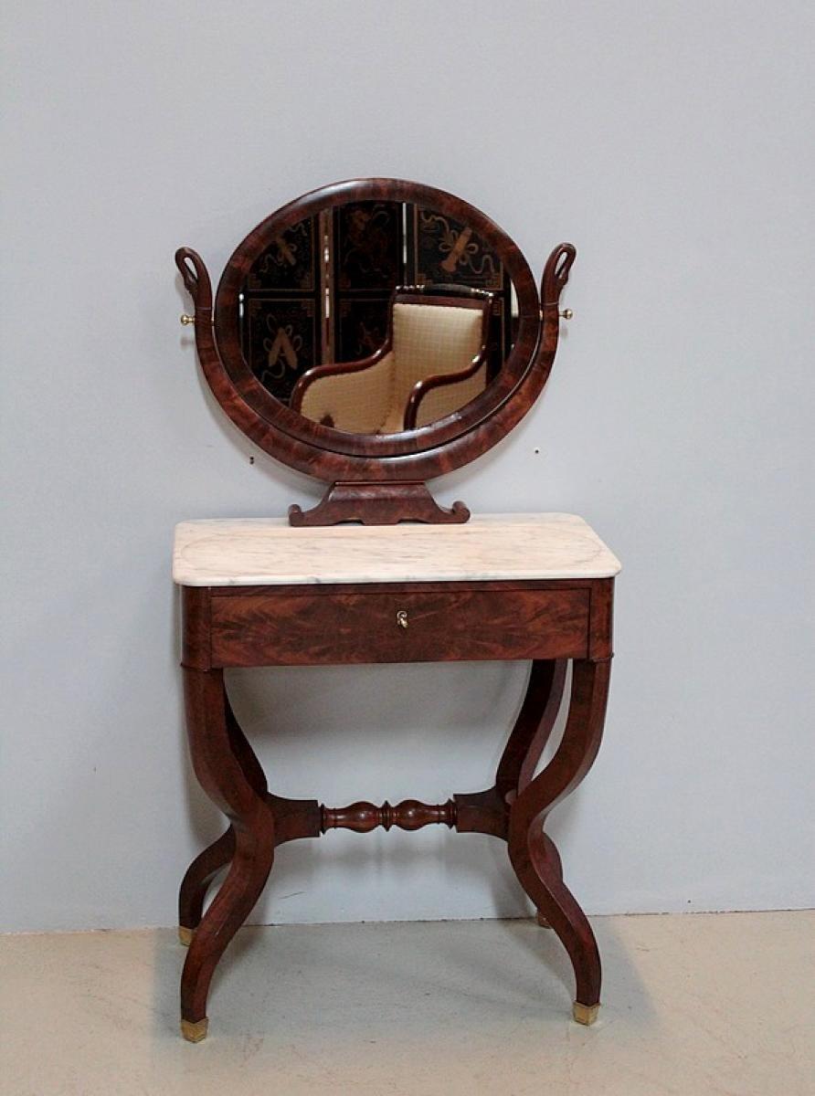 Coiffeuses anciennes antiquites en france for Coiffeuse avec miroir ancienne