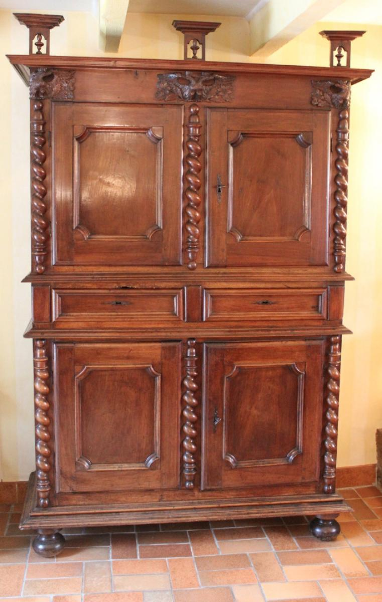 Buffets deux corps 18 me si cle antiquites en france for Huiler un meuble