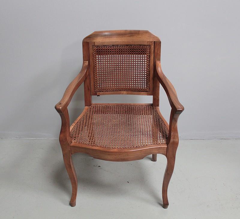 fauteuils 20 me si cle antiquites en france. Black Bedroom Furniture Sets. Home Design Ideas