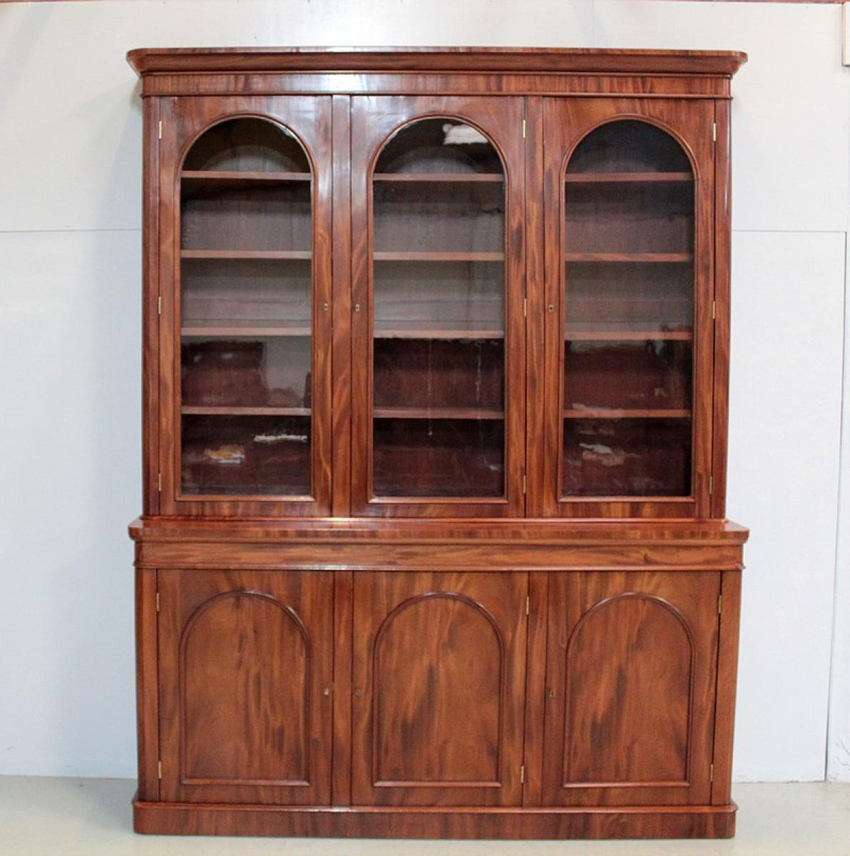 biblioth que en acajou angleterre xixe antiquites lecomte. Black Bedroom Furniture Sets. Home Design Ideas