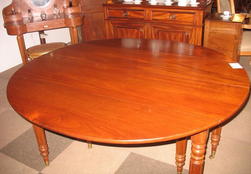 table lphilippe ovale en acajou xixe antiquites lecomte. Black Bedroom Furniture Sets. Home Design Ideas