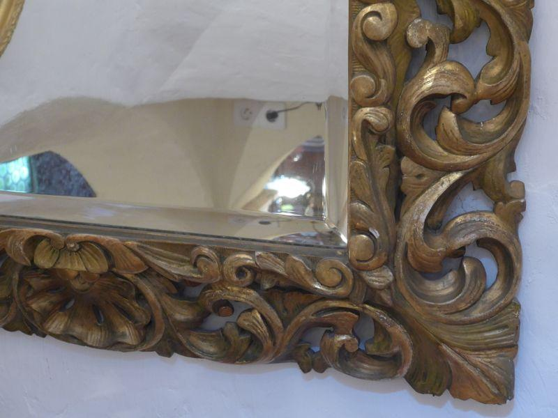 Grand miroir a fronton en bois sculpte ajoure xix e la for Miroir in english