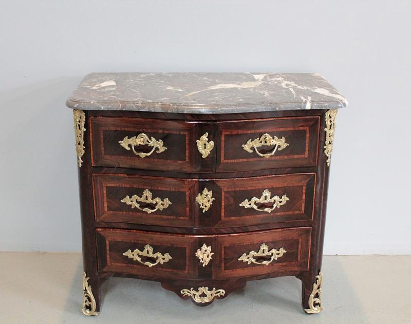 commode louis xiv antiquites en france. Black Bedroom Furniture Sets. Home Design Ideas