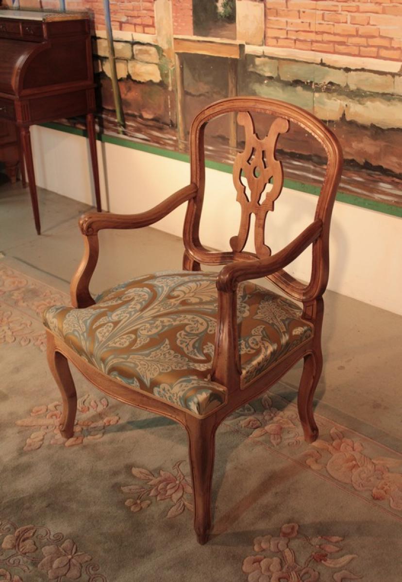 fauteuil de bureau de style louis xv en noyer xixe antiquites. Black Bedroom Furniture Sets. Home Design Ideas