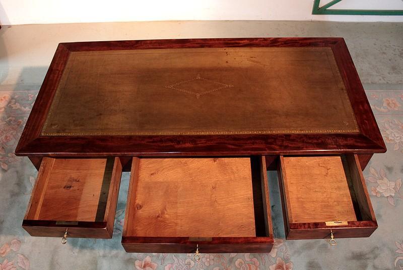 Table bureau louis philippe en acajou xixeme antiquites for Bureau xixeme