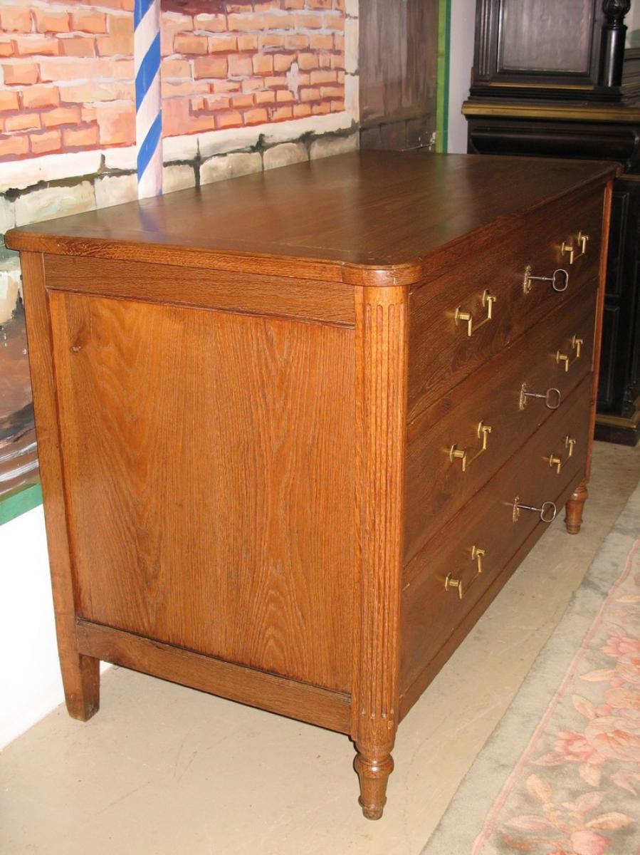 commode louis xvi en ch ne xixeme antiquites lecomte. Black Bedroom Furniture Sets. Home Design Ideas
