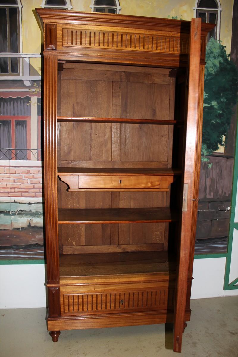 armoire 1 porte vitr e en acajo massif xxe antiquites lecomte. Black Bedroom Furniture Sets. Home Design Ideas