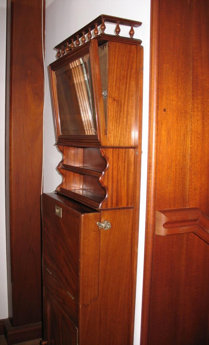 meuble lavabo de bateau en acajou xxeme antiquites lecomte. Black Bedroom Furniture Sets. Home Design Ideas