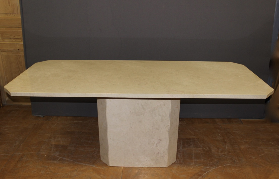 Table octogonale design en marbre