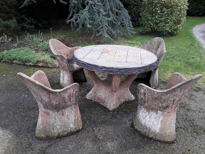 Salon de jardin en ciment faux bois