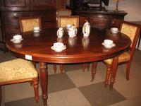 Table ovale en acajou XIXe
