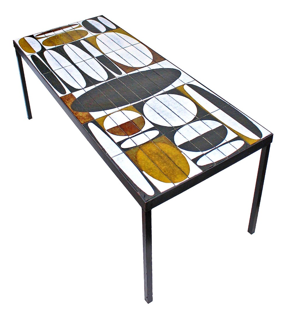 "Roger Capron (1922-2006) Table basse modèle ""Ellipse"""