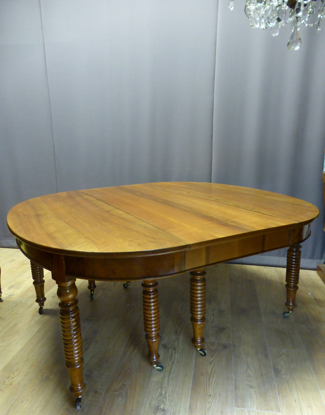 Très grande table en noyer ( 4,40 m ) XIX