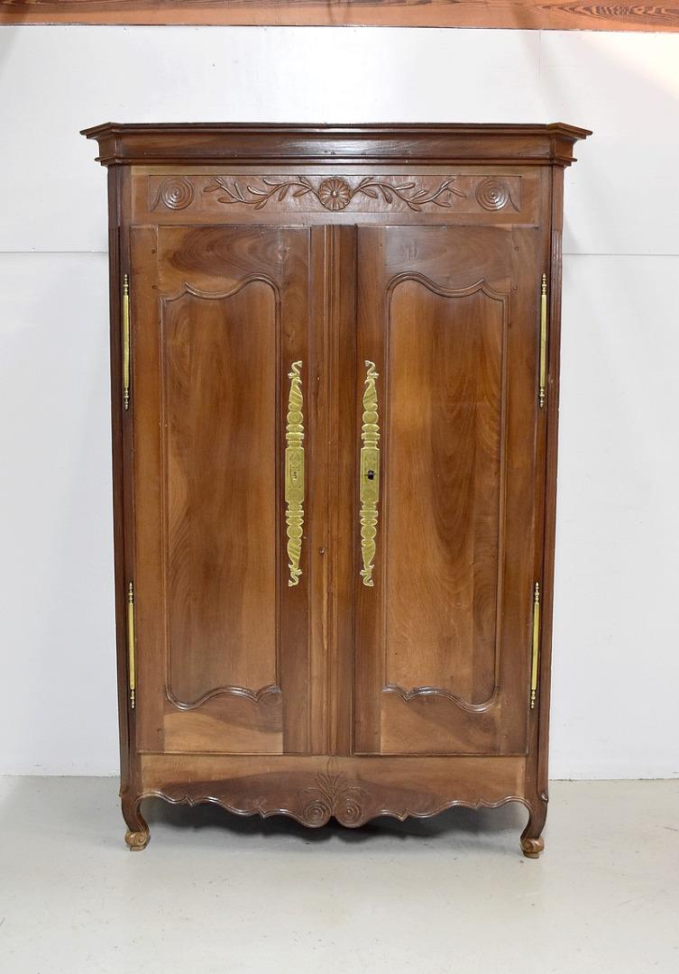 Armoires Louis Xv Antiquites En France # Armoire Merisier Massif A Vendre