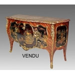 Imposante Commode style Louis XV en laque de Chine
