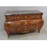 Importante Commode Tombeau en Bois de Rose, style Louis XIV – Milieu XXe