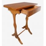 Table de chevet en noyer